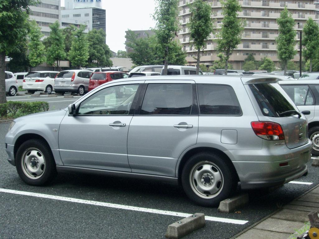 三菱・エアトレックの覆面パトカー