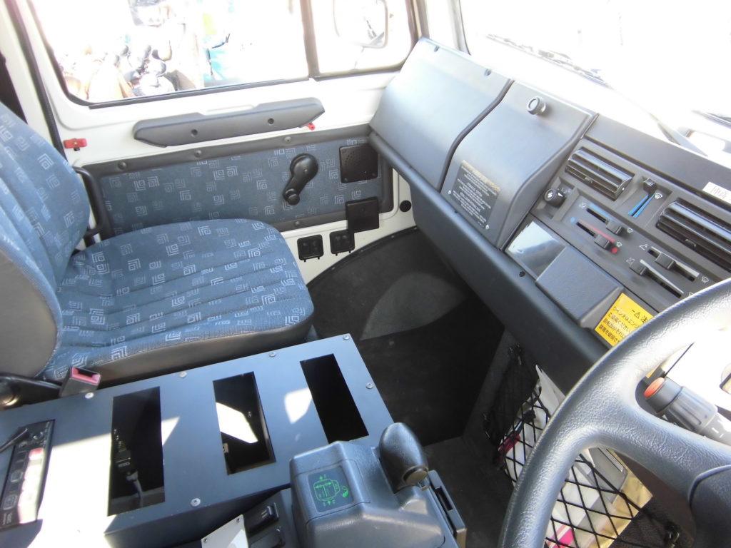 静岡県警察のウニモグ・高性能救助車